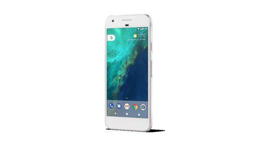 Auf Nummer Sicher: Das Google Pixel 2 besitzt neben einer eSIM auch einen Nano-SIM-Slot.