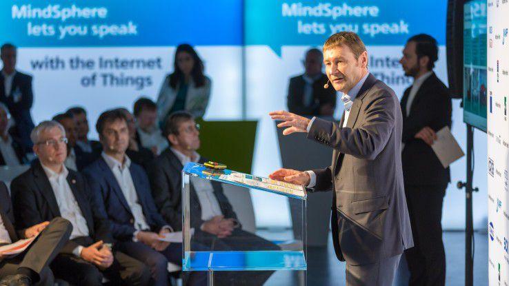 """Klaus Helmrich, Mitglied des Vorstands der Siemens AG: """"Das breite Know-how und Angebot aller Partner in der MindSphere World eröffnet Anwendern weltweit völlig neue Potenziale in der Digitalisierung."""""""