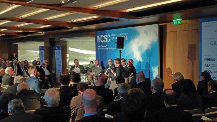 Internationale Experten diskutierten auf der Munich Cyber Security Conference über Sicherheitsfragen im IoT-Zeitalter.