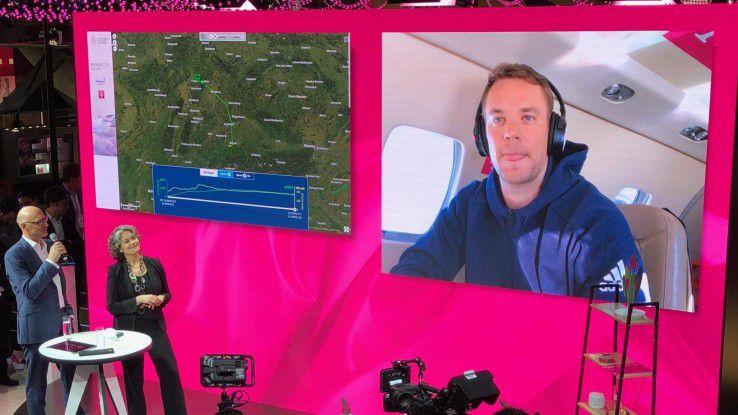 Ein ganz anderes Netz stellte Telekom-Chef Höttges in einer Videoschaltung mit Manuel Neuer vor: Das European Aviation Network