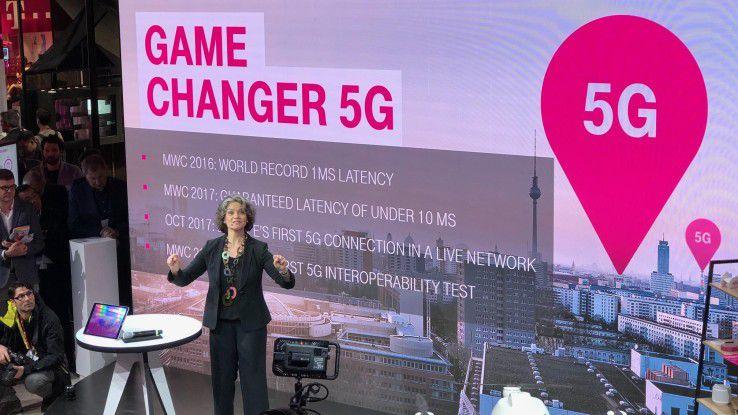 Claudia Nemat zeigt die bisherigen Fortschritte der Telekom auf den Weg zu 5G auf.