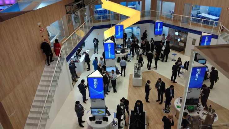 """Unter dem Motto """"The New applied now"""" stand der Messeauftritt von Accenture auf dem MWC."""