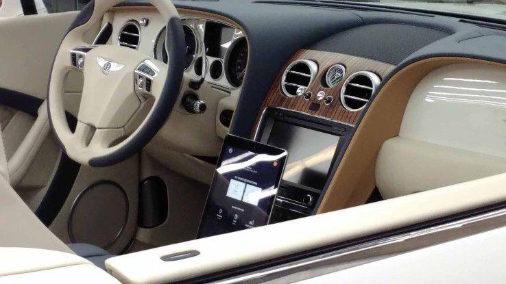Der Bentley war zwar ein Eyecatcher auf dem Visa-Stand, die Moblie-Payment-Implementierung per Tablet aber nicht unbedingt state of the art.