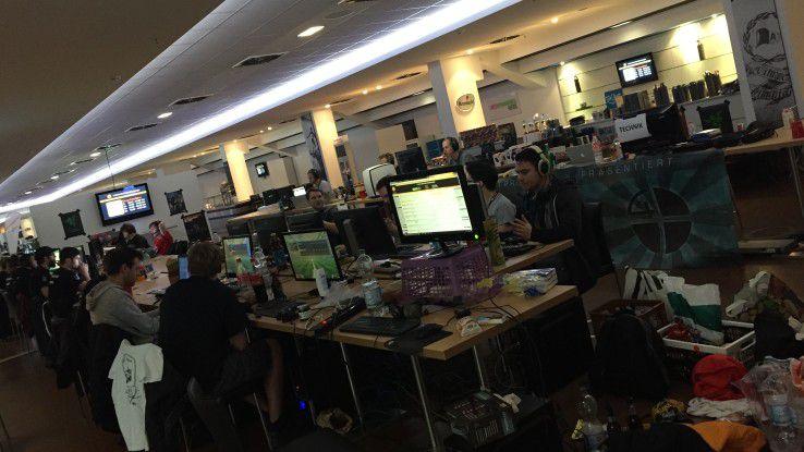 Zu einer LAN-Party lädt die IT-Beratung mindsquare 250 Studenten ein.