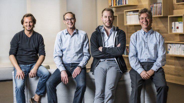 Die QAware-Geschäftsführer Christian Kamm, Bernd Schlüter, Josef Adersberger und Johannes Weigend ( von links) korrigierten die Wachstumsstrategie, um die Unternehmenskultur zu erhalten.