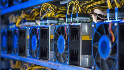 Cryptomining Software: So schürfen Sie Bitcoin & Co. - Foto: Mark Agnor - shutterstock.com