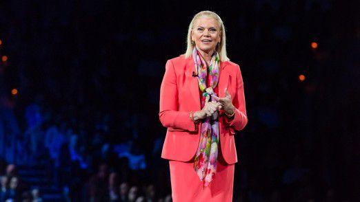 """Der nächste Streich: Ginni Rometty, IBMs CEO und Chairman, verkauft die Lotus-Produkte und mehr an HCL. Der Konzern soll sich ganz auf die """"strategischen Imperative"""" konzentrieren, zu denen Cloud, KI, Analytics und Blockchain sowie Branchenlösungen gehören."""