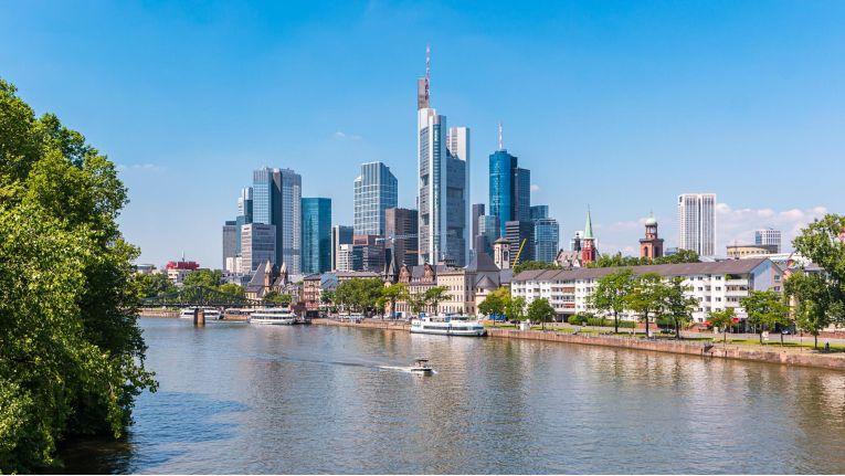 In Frankfurt am Main verdienen IT-Mitarbeiter 20 Prozent mehr als im Bundesdurchschnitt.