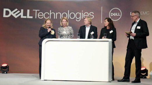 Auf mehreren Panels diskutierten Führungskräfte aus der Wirtschaft mit COMPUTERWOCHE/CIO-Chefredakteur Heinrich Vaske (ganz rechts).