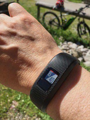 Das Vivofit 3 macht nicht nur beim Sport, sondern auch als normale Uhr eine gute Figur. Nachteilig ist nur das kleine Display.