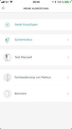 """Unter """"Einstellungen > Meine Ausrüstung"""" kann man mehrere Somfy-Überwachungskameras sowie Zusatzgeräte wie einen Vigbrationssensor für Türen oder Fenster einrichten."""