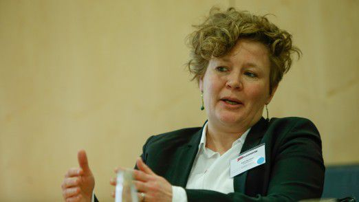 """Katrin Beuthner, Geschäftsführerin United Planet: """" Jeder Arbeitsplatz verändert sich anders und jedes Unternehmen muss individuell darauf reagieren. Was es in jedem Fall braucht, ist eine gewisse Innovationskultur – und jedes Unternehmen sollte sich die Frage stellen, ob hier schon genug getan wurde."""""""