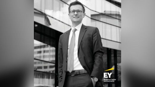 Stefan Wenigmann, Senior Manager bei EY Advisory Financial Services in der Schweiz.