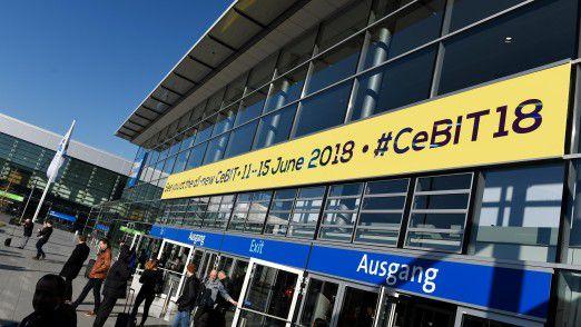 Vom 12. bis zum 15. Juni 2018 können sich Interessenten auf der CeBIT in Halle 27 bei namhaften Arbeitgebern über Karrieremöglichkeiten informieren.