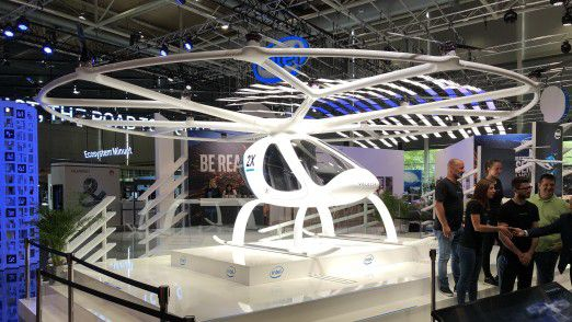 Am Stand C33 in Halle 13 präsentiert Intel den Volocopter.