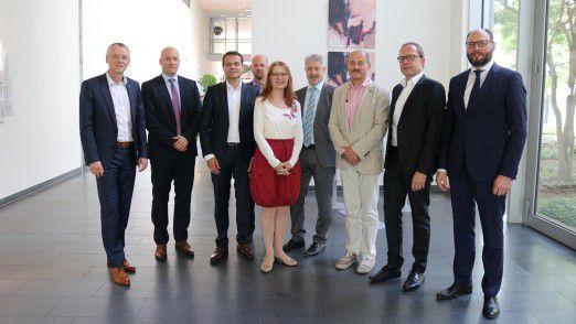 Am Roundtable nahmen teil (v.l.n.r.): Rolf Kleinwächter (Capgemini), Marcel Buchner (Tech Mahindra), Jörg Hild (PwC), René Funke (Maturity) Christiane Pütter (IDG), Gerhard Haberstroh (DXC Technology), Hans Königes (IDG), Bernd Sauer (Allgeier Experts), Igor Radisic (Horváth & Partner).