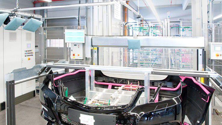 Bei der Produktion von Kunststoffteilen für die Automobilindustrie spart Rehau durch RFID-Technik viel Zeit und Geld.