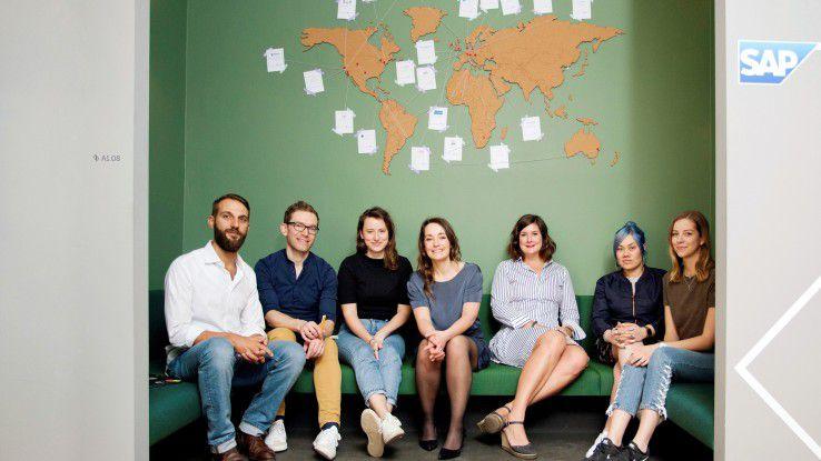 SAP hat in Berlin bewusst ein bunt zusammengewürfeltes Team aus internen und externen Mitarbeitern, aus Business- und IT-Experten, zusammengestellt, das die Zusammenarbeit mit den Startups koordiniert. Auf Diversität geachtet wurde sowieso.