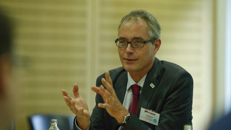 Jürgen Dierlamm war von April 2013 bis September 2018 Geschäftsführer des IT Service Management Forums (itSFM) und der itSMS GmbH. Seit Oktober 2018 arbeitet der zertifizierte ITIL-Experte wieder als Rechtsanwalt und Unternehmensberater.
