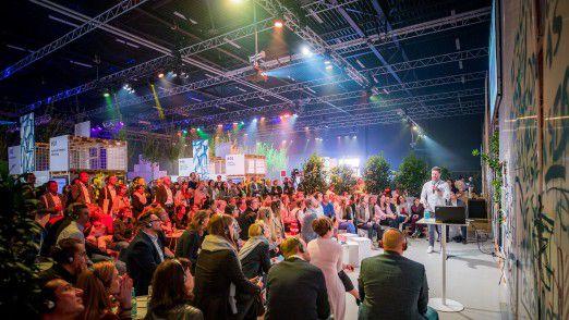 Was bedeutet die digitale Zukunft für Juristen, Datenschützer und Compliance Manager bei Daimler? Der Frage spürten über 400 Mitarbeiter beim Digital Life Day in Ludwigsburg nach.