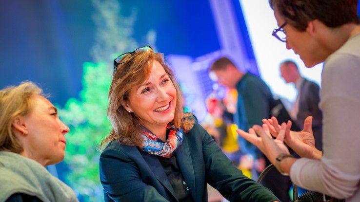 Vorstandsmitglied Renata Jungo Brüngger verantwortet bei Daimler den Bereich Integrität und Recht und hatte ihre Mitarbeiter zum großen Digital Life Day geladen.