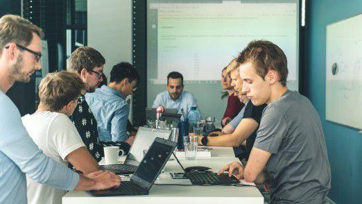 Die Schulungen und in individuelle Coachings zum Thema Data Science finden im Münchner Büro der Alexander Thamm GmbH oder auf Wunsch auch beim Kunden statt.