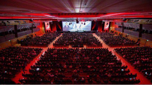 Im vergangenen Jahr kamen rund 12.000 Besucher zum Fujtsu Forum. Auch in diesem Jahr ist die Hütte voll.