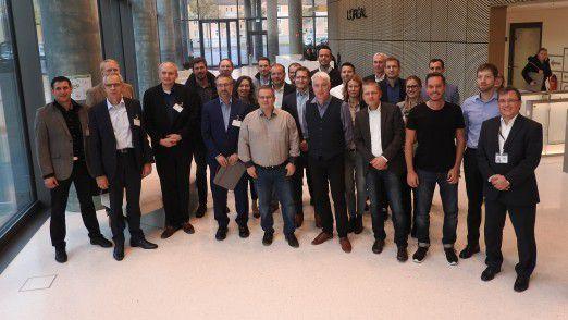 Bei einem Besuch in der neuen Firmenzentrale von L'Oréal in Düsseldorf informierten sich die LEP'ler über agile Raum- und Arbeitskonzepte. Ganz rechts im Bild L'Oréal-CIO Frank Hoe.