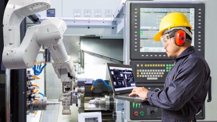 Industrie 4.0: Vernetzte Maschinen, die Echtzeitdaten liefern, erleichtern Bedienung und Instandhaltung.