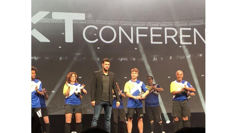 Anstoß: Michael Ballack, ehemaliger Kapitän der deutschen Fußball-Nationalmannschaft und Spieler des FC Chelsea, eröffnete die .NEXT Europe von Nutanix in London.