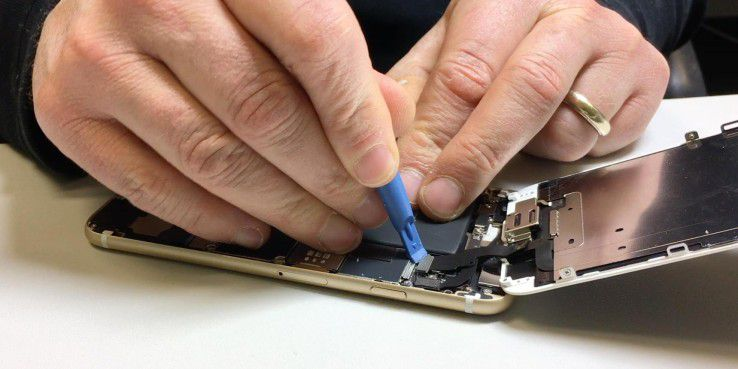Akku-Affäre: Apple sagt Sorry und reduziert Preis.