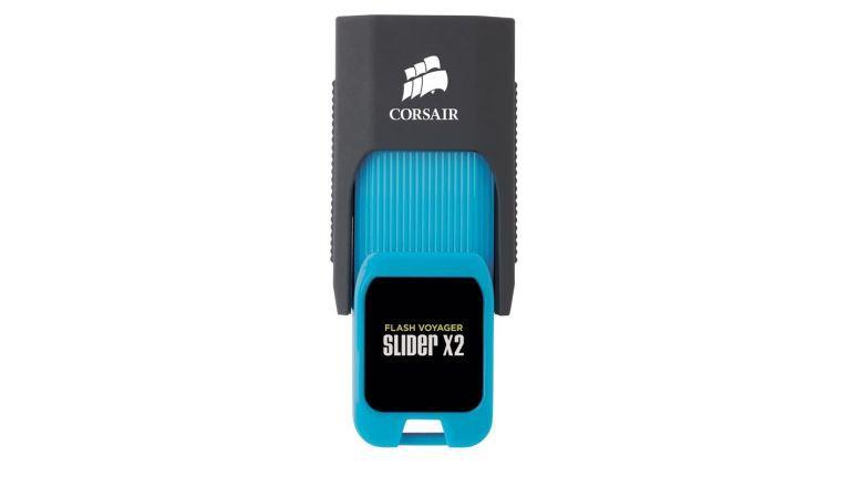 Viele USB-Sticks sind lediglich mit einem versenkbarem Anschluss und Befestigungsöse ausgestattet.