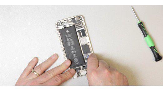 Ein Akkutausch funktioniert bei völlig intakten Geräten problemlos.
