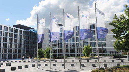 Die R+V Versicherung am Hauptsitz in Wiesbaden. Auch hier wurde migriert.