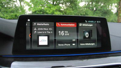 BMW 530e iPerformance: Kommunikation und Apple Carplay - Foto: Rene Schmöl