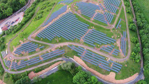 Der selbst von der EVO AG produzierte Strom wie hier in einer Photovoltaik-Anlage stammt zu mehr als 50 Prozent aus erneuerbaren Ressourcen.