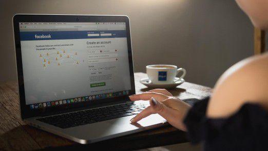 Persönliche Inhalte im Netz wie ein Facebook-Konto fallen nach dem Tod grundsätzlich an die Erben.