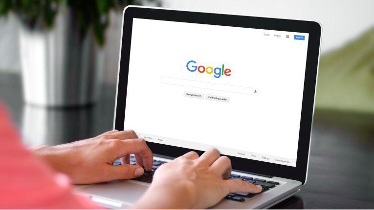 Bei der Websuche erreichte Google im April 2018 in Europa einen Marktanteil von rund 92 Prozent. Das hat enorme Auswirkungen darauf, wohin sich Internetnutzer nach einer Produktsuche zum Kauf wenden.