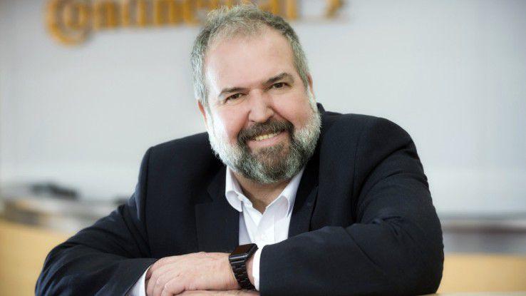 """Continental CIO Christian Eigler: """"Nicht nur Ingenieure, sondern wirklich jeder im Unternehmen, der eine Idee hat, kann mit der Continental.cloud und dem Continental.datalake arbeiten."""""""