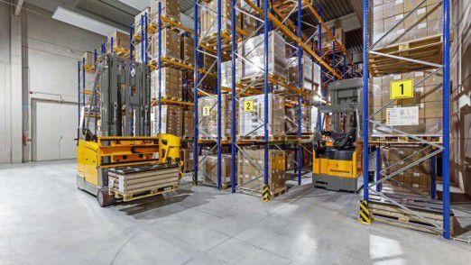 Jungheinrich stellt Flurförderzeuge, Lager- und Materialflusstechnik her.