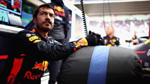 Mechaniker von Red Bull Racing in der Box.