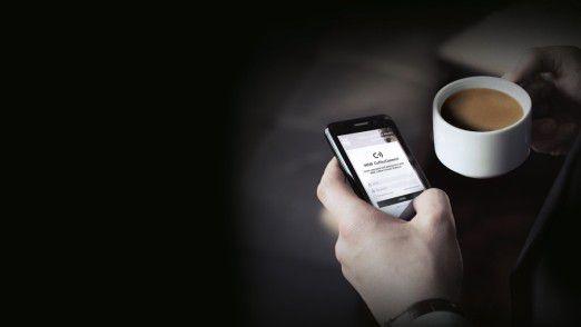 Das Smartphone ist mit allen Kaffeemaschinen vernetzt.