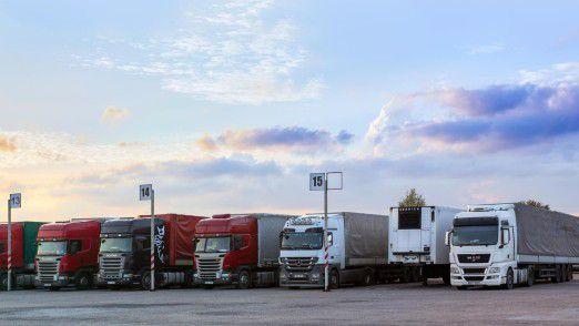 Scania, Daimler, MAN: Die europäischen LKW-Hersteller halten nichts davon, den CO2-Ausstoß von Lastwagen in den kommenden zwölf Jahren um weitere 35 Prozent zu senken.