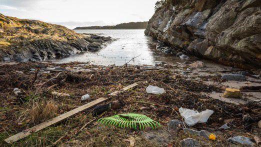 Plastik-Müll an der norwegischen Küste.