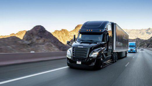 Weltpremiere des neuen Freightliner Cascadia mit teilautomatisierten Fahrfunktionen (Level 2).