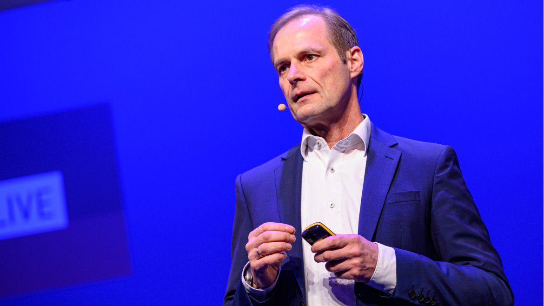 Jürgen Sturm, CIO bei ZF Friedrichshafen, sprach auf den Hamburger IT-Strategietagen 2020. Den Wandel in der Automobilbranche begegnet er mit Plattformen.