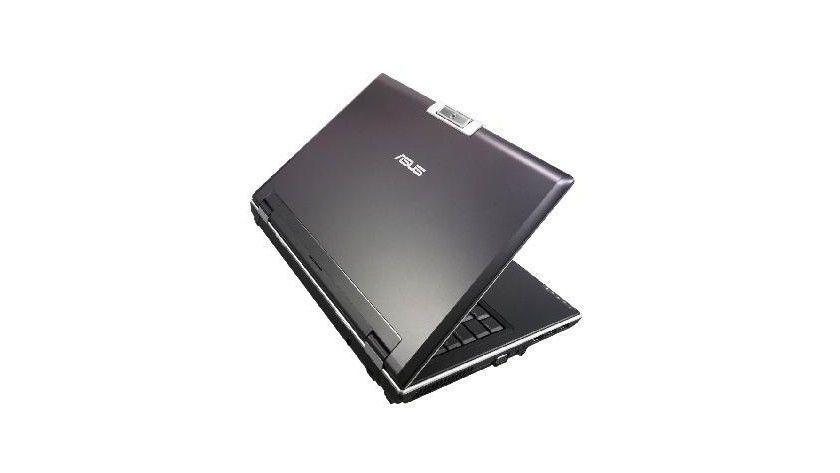 Asus V2S: Das 14-Zoll-Notebook wiegt 2,3 kg und ist im mit einem internen UMTS-Modem bestückt. (Quelle: Asus)