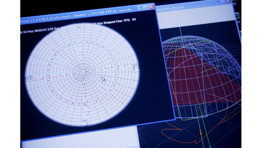 Die Projektionsgeometrie auf dem Bildschirm kann an die Bilder automatisch angepasst werden. Foto: Fraunhofer FIRST
