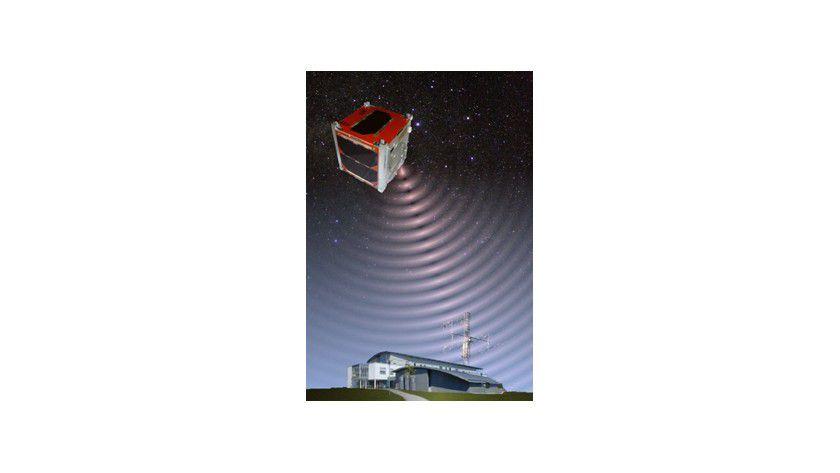 Der Kleinstsatellit UWE-1 (Universität Würzburg Experimentalsatellit) wird über Internet fern bedient. Abb.: Institut für Informatik, Uni Würzburg