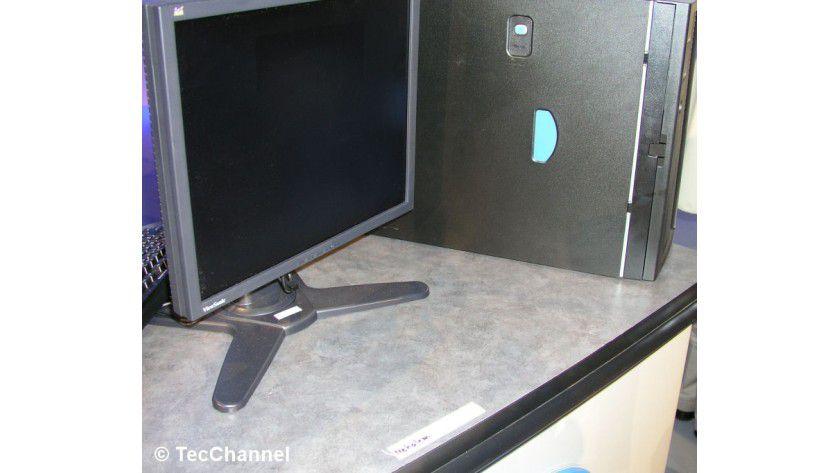 Nehalem im Betrieb: Auf dem IDF wurde ein arbeitendes System mit Nehalem-CPU gezeigt.